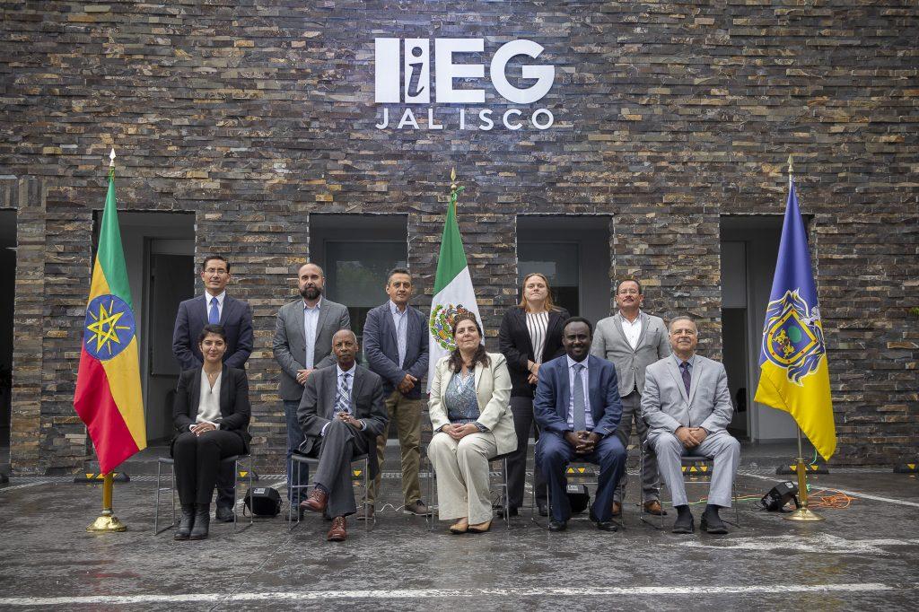 Delegación de Etiopía visitó Jalisco para conocer modelo estadístico del IIEG.